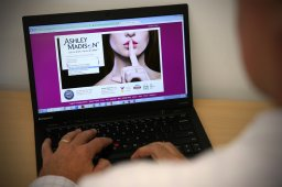 Continue reading: Ashley Madison users continue to receive blackmail months after hack