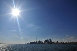 Continue reading: Toronto breaks March 12 temperature record
