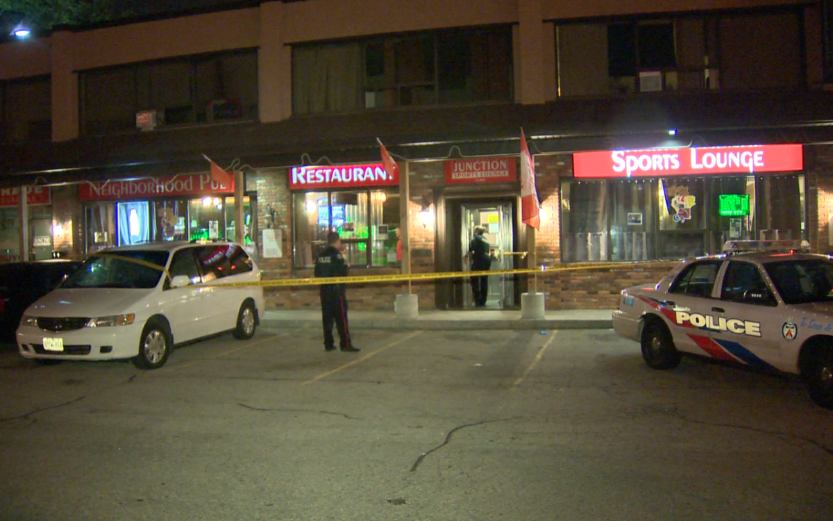 Police investigate a stabbing incident in Scarborough on Sept. 20, 2015.
