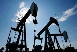 Continue reading: Link between Canadian dollar and oil prices coming undone