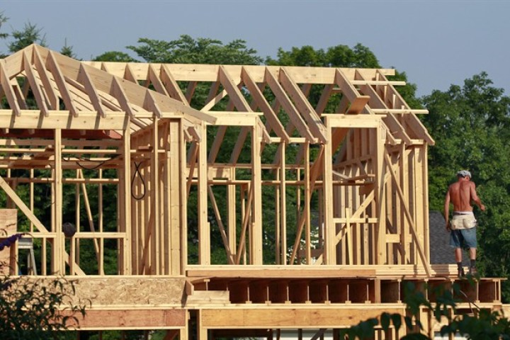 Real estate is 'overvalued' across much of the country, CMHC warns - image
