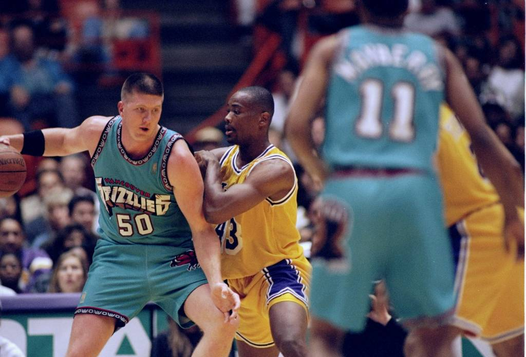 21 Feb 1997: Center Bryant Reeves of the Vancouver Grizzlies in action during a game against the Los Angeles Lakers at the Great Western Forum in Inglewood, California. The Lakers won the game, 99-91. Mandatory Credit: Jason Wise /Allsport