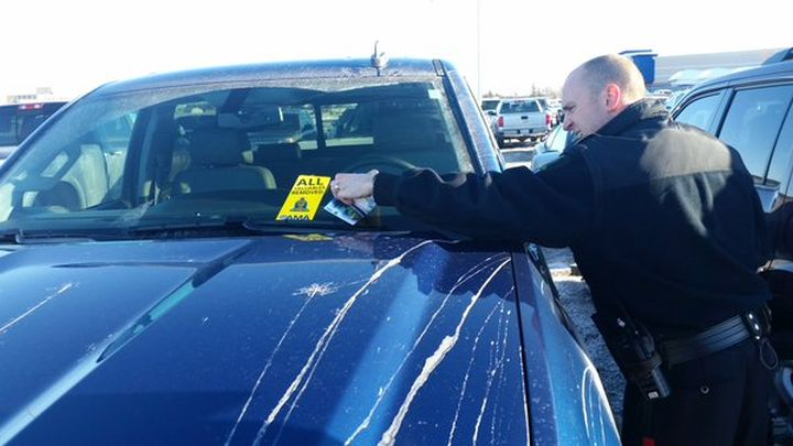 LRPS and AMA partnering to remind holiday shoppers to lock vehicles and bring valuables with you.