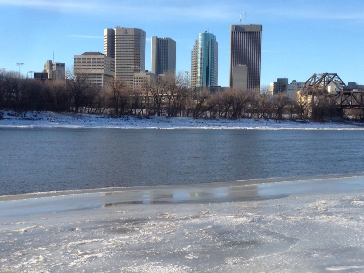 Province issues freeze-up advisory for lakes and rivers.