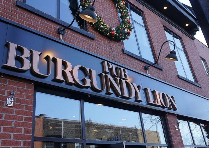 """Burgundy Lion was targeted by the OQLF for the """"recommended by Tripadvisor sign"""" in its window, Wednesday, January 27, 2016."""