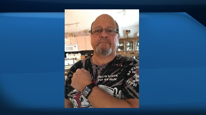 Dennis Anselmo said his Apple Watch alerted him to symptoms of a heart attack in August 2015.