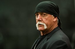 Continue reading: Jury reconvenes Monday in Hulk Hogan case