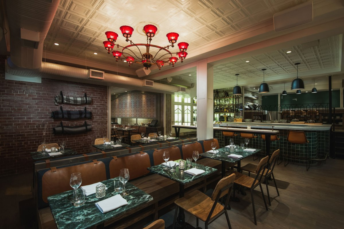 Pigeonhole placed 16th on Canada's 100 Best magazine's 2016 restaurant ranking.