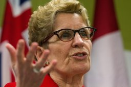 Continue reading: Grassy Narrows: Ontario premier 'deadly serious' on mercury poisoning clean up