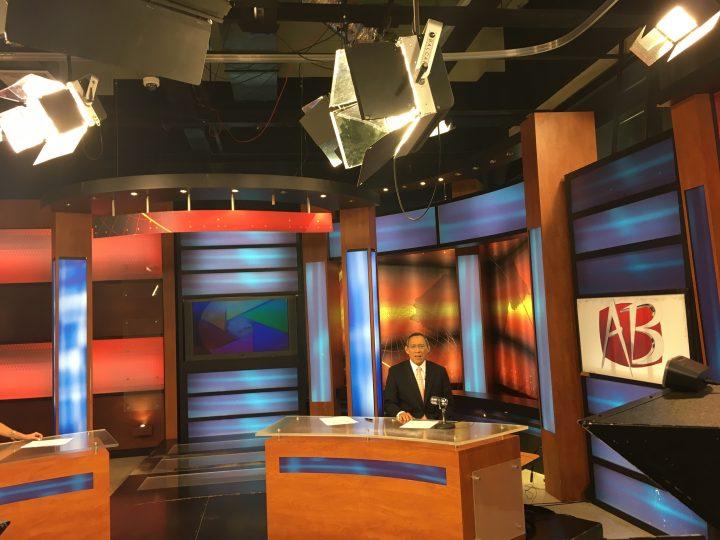 Rodrigo Wong Arévalo anchors the evening edition of Abriendo Brecha, one of Honduras' most popular newscasts. April 20, 2016.