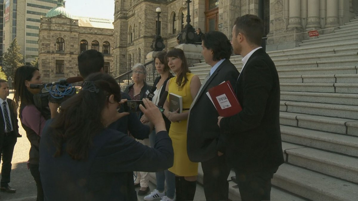 Protesters rally for ban on paid blood and plasma donations in Victoria - image