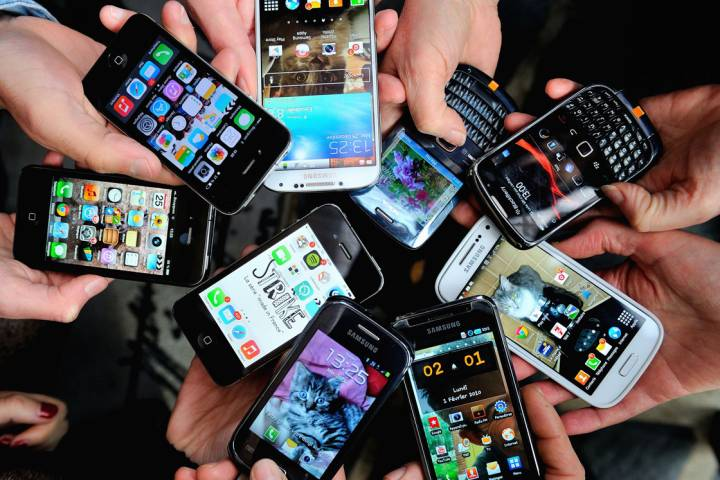 Are cellphones linked to an increased risk of cancer? Here's what experts had to say about a new study.