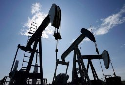 Continue reading: Canadian dollar hits two-week low amid falling oil prices