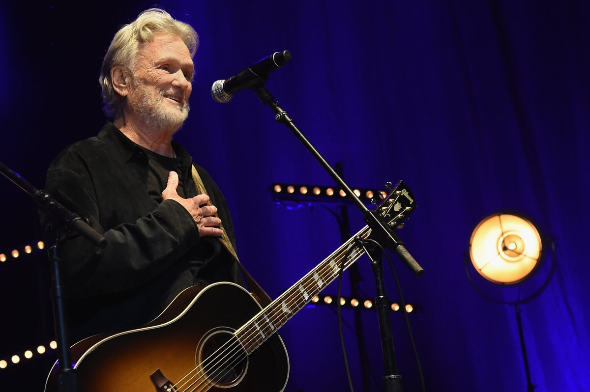 For years, country singer Kris Kristofferson thought he was dealing with Alzheimer's. Turns out, he had Lyme disease.