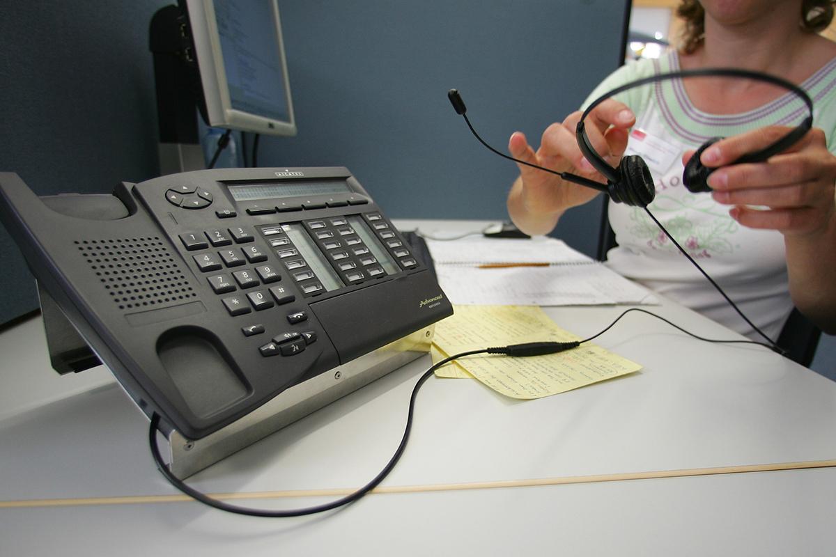 Virginia man dies after 911 call dismissed as pocket dial - image