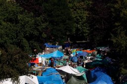 Continue reading: Four Victoria police officers injured in tent city arrest