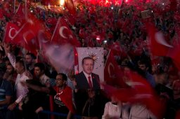 Continue reading: Turkey continues post-coup crackdown; seizes thousands of institutions