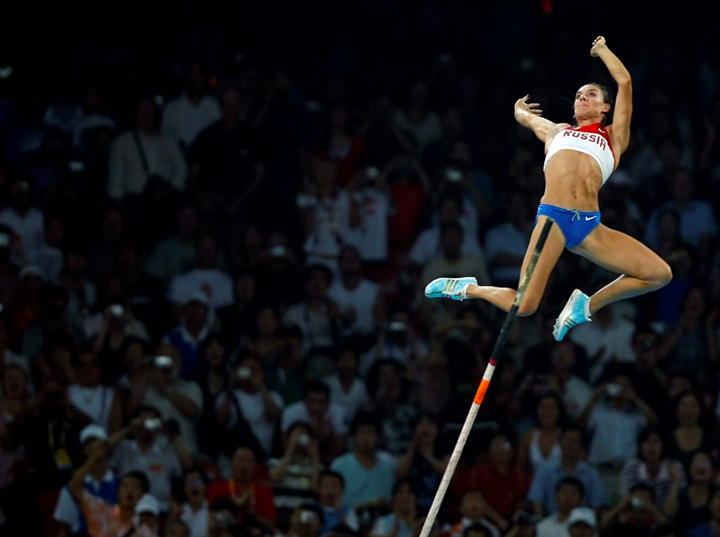 Yelena Isinbayeva of Russia competes during the women's pole vault final of the athletics competition in the National Stadium at the Beijing 2008 Olympic Games August 18, 2008.