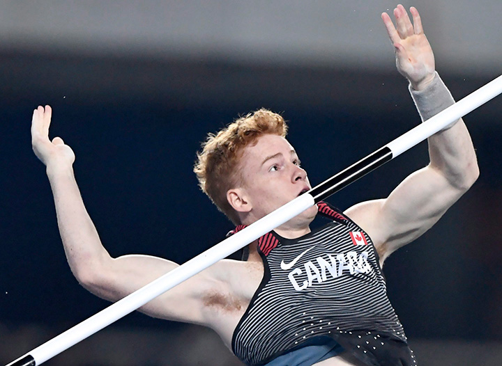 Shawn Barber fails to clear 5.65 metres in the men's pole vault final during the athletics competition at the 2016 Summer Olympics in Rio de Janeiro, Brazil, Monday, August 15, 2016.