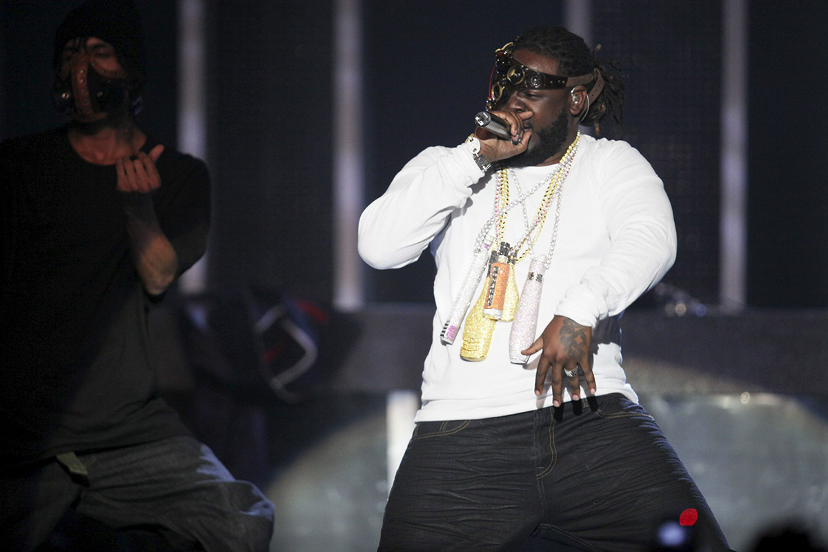 American artist T-Pain, right, performs at the MTV Africa Music Awards in Lagos, Nigeria, Saturday, Dec. 11, 2010.