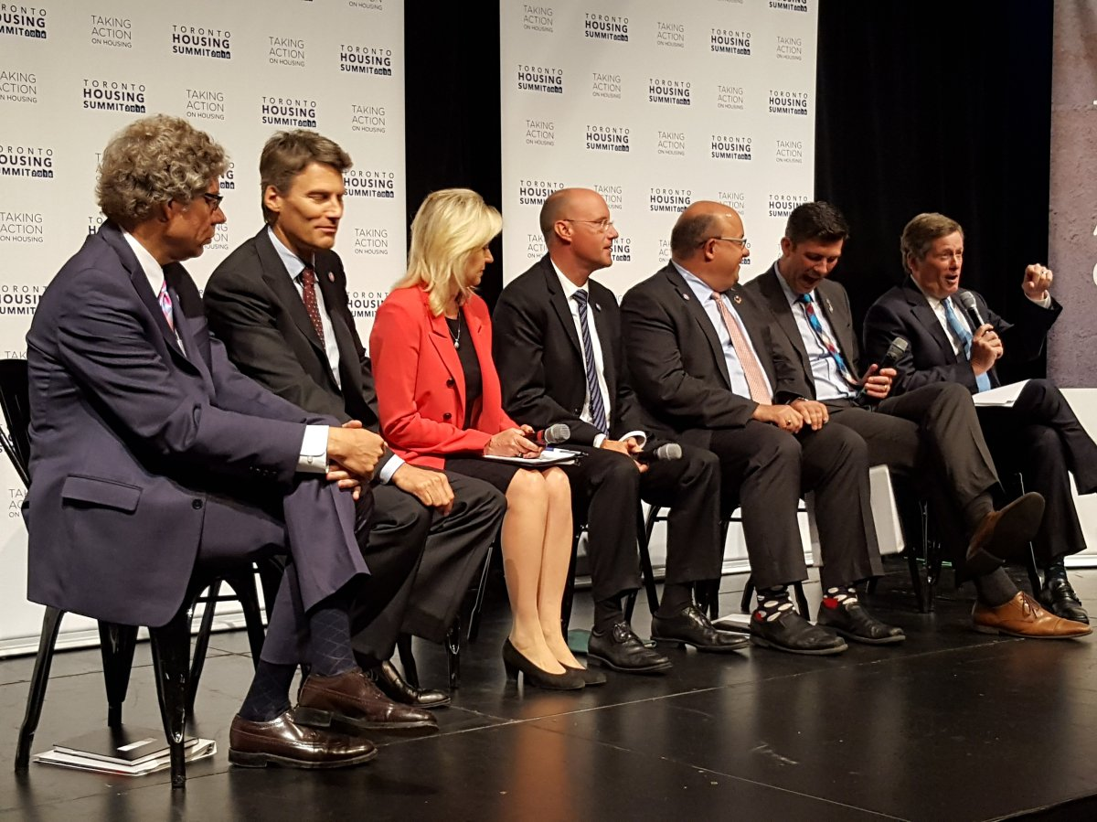 Big city mayors at the Toronto Housing Summit in September 2016.