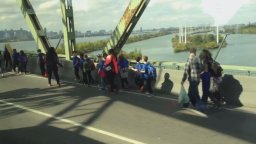 Continue reading: Students evacuated after school bus starts smoking on Champlain Bridge