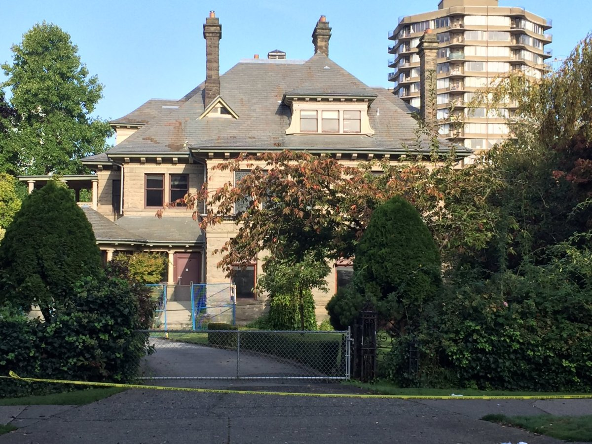 Body found on property of Gabriola Mansion in West End, one man in custody - image