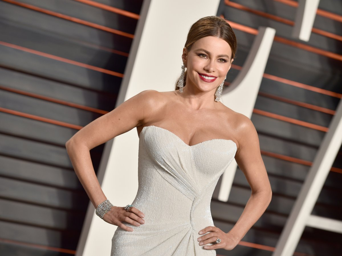 Sofia Vergara maintains her famous curves with the help of celebrity trainer Gunnar Peterson.