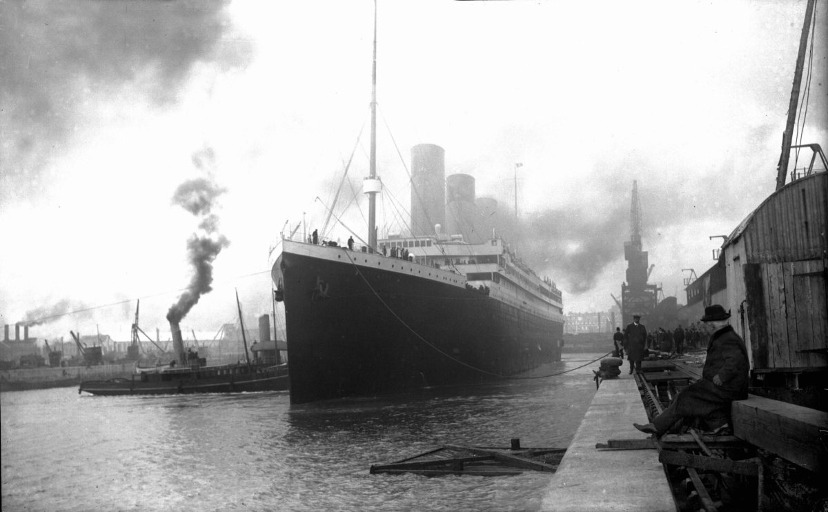 A Nova Scotia cable station that relayed news about the sinking of the Titanic will soon be demolished.