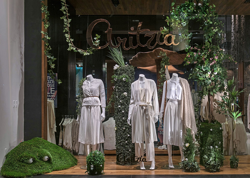 Aritzia maintains most of 4th quarter revenue due to growth of e-commerce sales - image