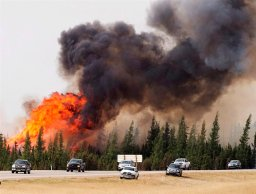 Continue reading: Global Edmonton wins 2 Edward R. Murrow awards for Fort McMurray wildfire coverage