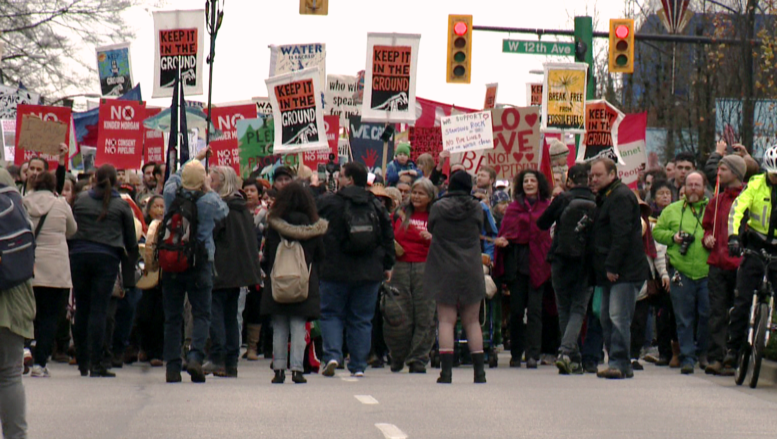 Thousands protest Kinder Morgan pipeline proposal in Vancouver