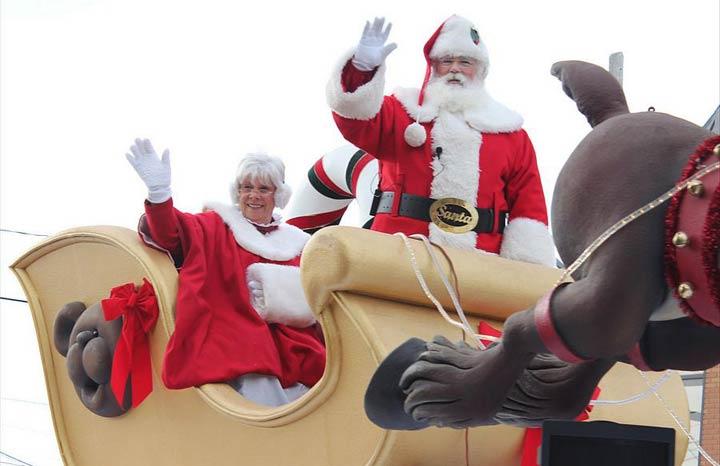 Santa Claus parade takes over London International Airport on
