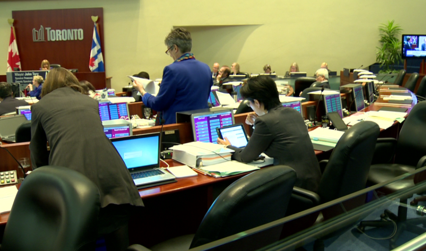 Toronto city council votes to approve the next phase of SmartTrack on Nov. 8, 2016.