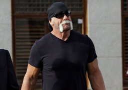 Continue reading: Thieves steal delivery from Hulk Hogan's doorstep