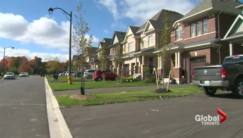 Canadian house-price gains slow in December, amid cooling in Toronto and Vancouver - image
