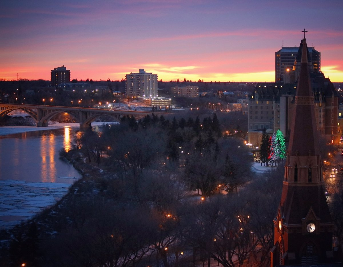 Saskatoon saw the fastest population growth of any Canadian metropolitan area in 2016/17, followed closely by Regina.