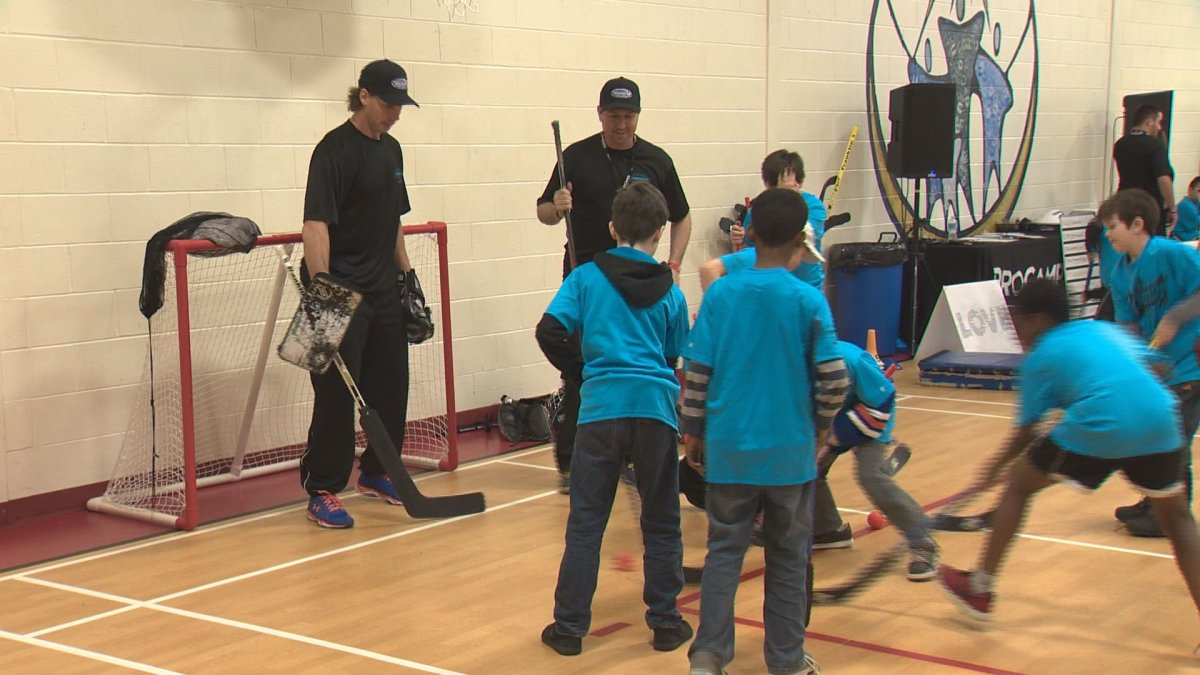 Ryan Smyth and Garth Brooks put on a ProCamp for Teammates for Kids in Edmonton, Feb. 18, 2017.