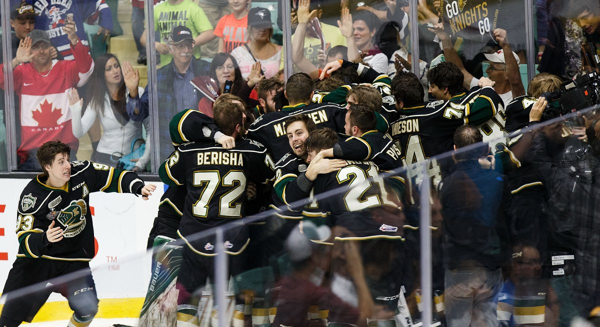The London Knights celebrate their win over the Rouyn-Noranda Huskies (QMJHL) during the Memorial Cup Final on May 29, 2016 at the Enmax Centrium in Red Deer.
