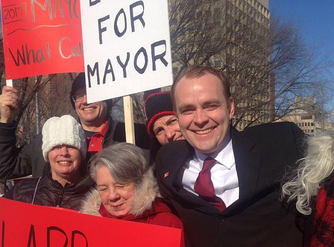 David Lapp announces he is running for mayor of Calgary in 2017.