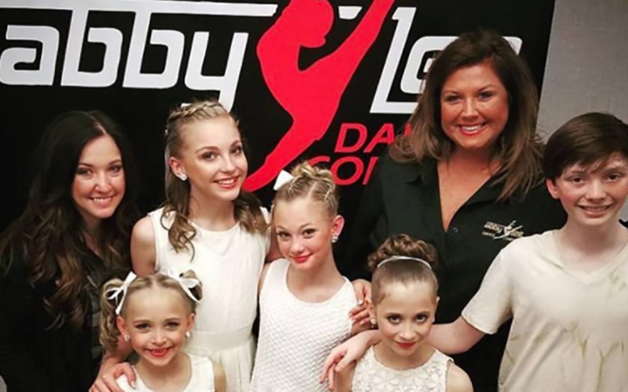 Abby Lee Miller Announces She S Quit Dance Moms National Globalnews Ca
