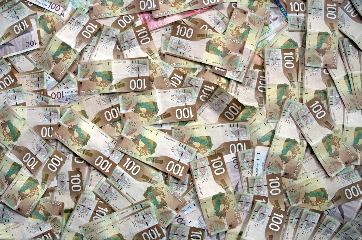 According to a new survey, Almost half of Canadian investors expect to receive an inheritance, and many are counting on that money to help them in retirement.