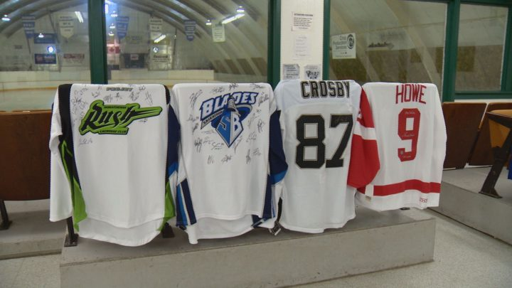 Offers poured in from around the country after an autographed Gordie Howe jersey that was to be auctioned off as a fundraiser for the Asquith Rink was stolen.