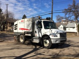 Continue reading: Edmonton to begin spring street sweeping April 6