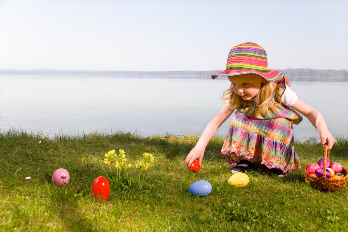 It doesn't matter what's in the Easter eggs, just as long as kids are hunting they'll have a good time, experts say.