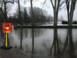 Continue reading: Flooding in Laval as rain continues to swell rivers