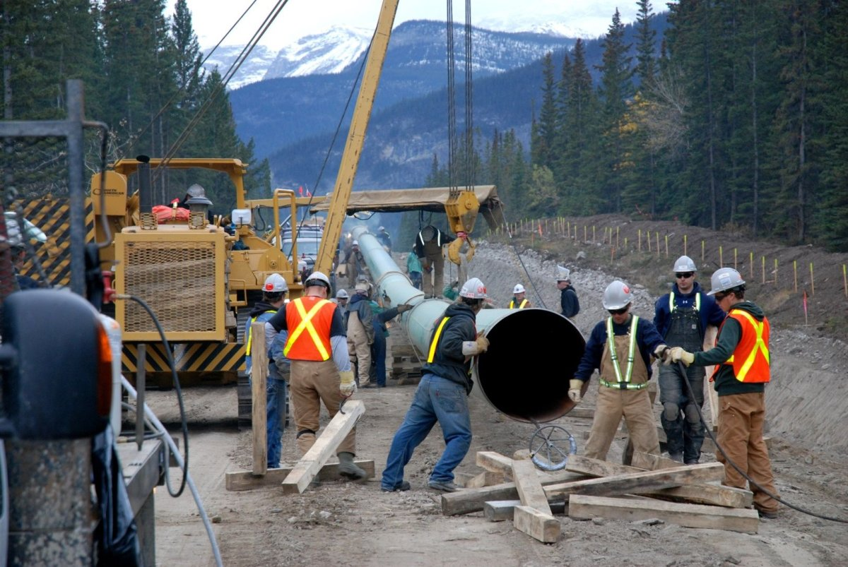 Evraz's deal with Kinder Morgan would see it supply 250,000 metric tons of pipe.