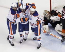Continue reading: A playoff push and a slow start to the new season: the Edmonton Oilers' year in review