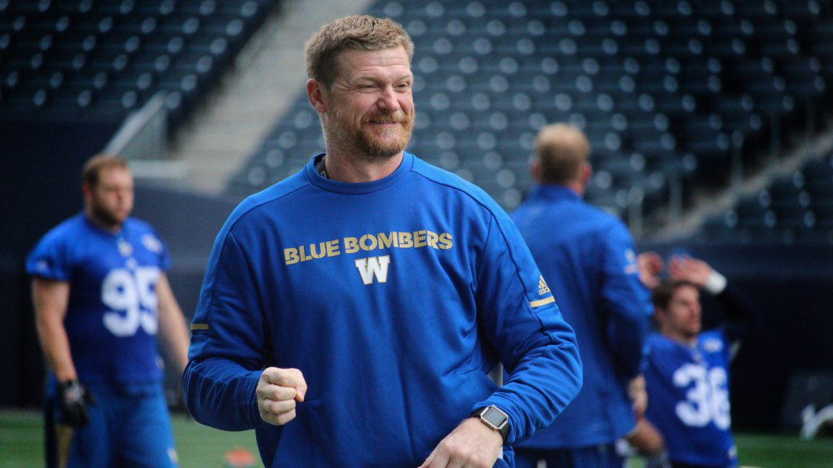 Blue Bombers head coach Mike O'Shea is getting a football field named in his honour in North Bay, Ont.