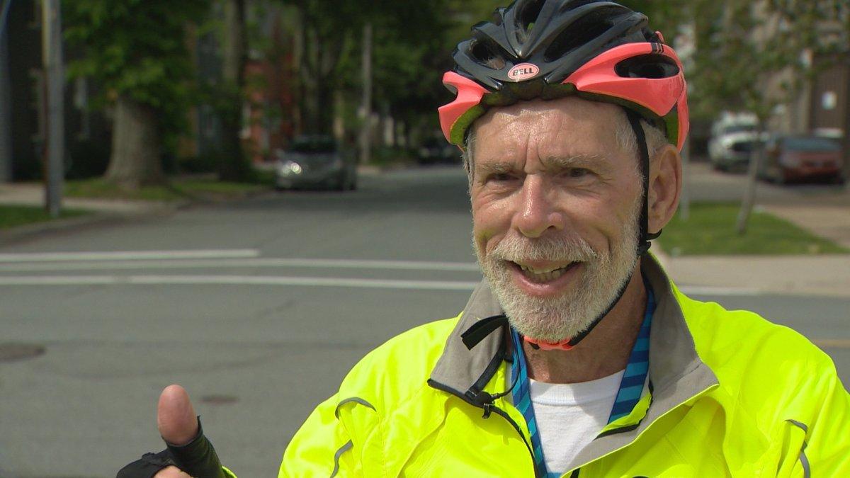 Gary Jones is cycling 2,000 kilometres to Toronto to race in a 25 kilometre cycling benefit.